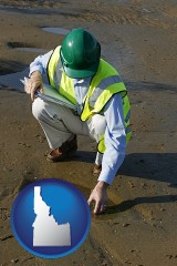 idaho map icon and an environmental engineer wearing a green safety helmet