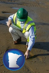 minnesota map icon and an environmental engineer wearing a green safety helmet
