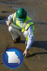missouri map icon and an environmental engineer wearing a green safety helmet