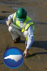north-carolina map icon and an environmental engineer wearing a green safety helmet