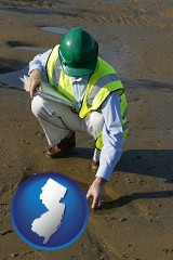 new-jersey map icon and an environmental engineer wearing a green safety helmet